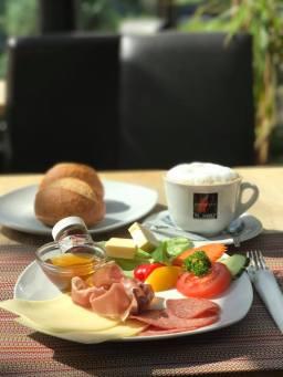 Tongfa Frühstück